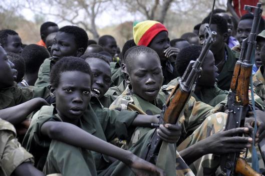 sudan_bimbi_soldato.jpg